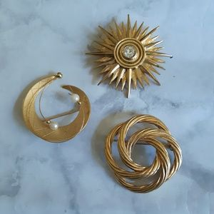 3 vintage goldtone brooches